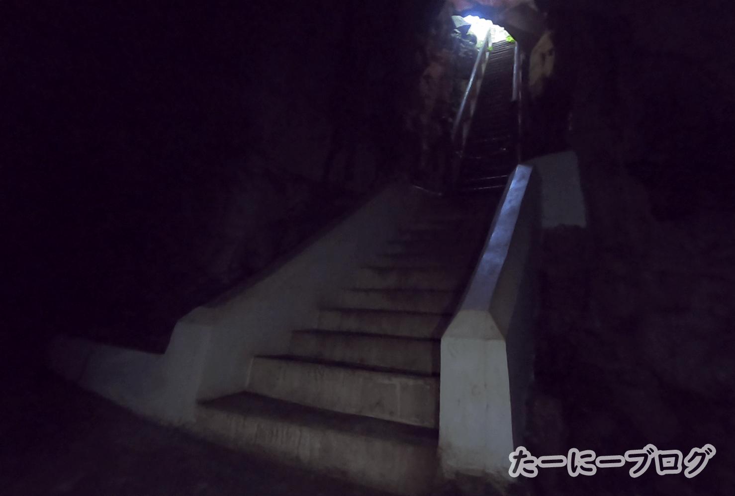カオルアン奥の暗い所