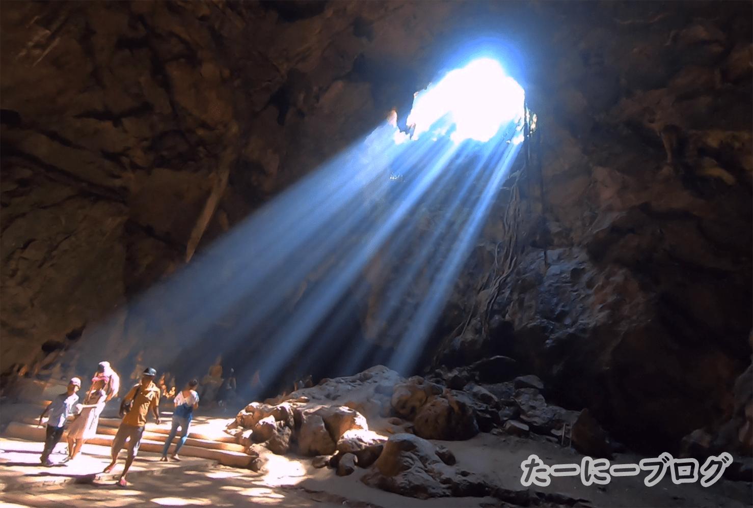 カオルアン最初の聖なる光